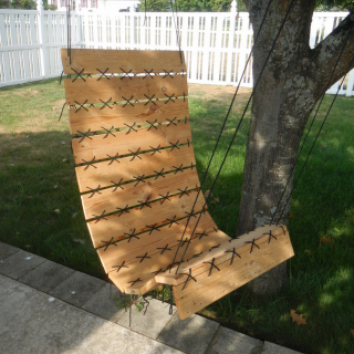 How to turn a pallet into a hanging chair