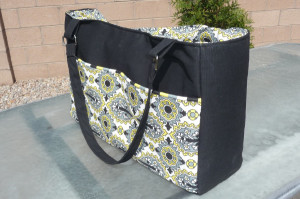 Tons of diaper bag tutorials and patterns!