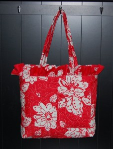 Tons of great sewing tutorials and patterns for diaper bags!