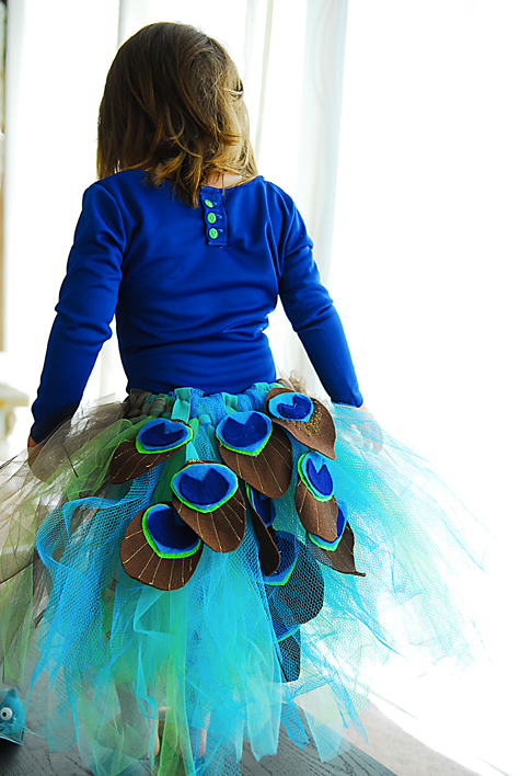 b3ddf3537 Make a peacock tutu!! Tutorial on andreasnotebook.com