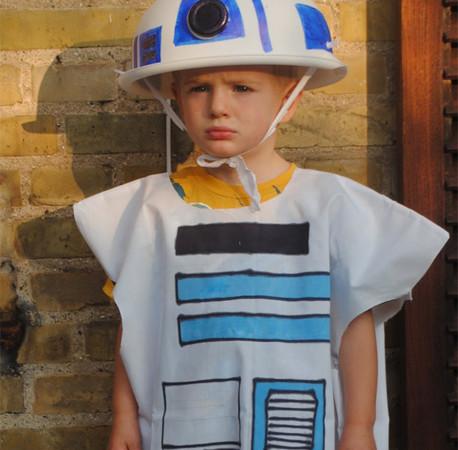 R2D2 costume tutorial NO-SEW