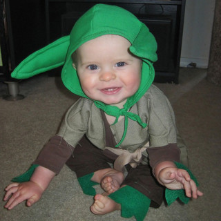 DIY Baby Yoda Costume Tutorial