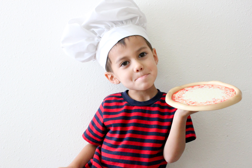 Pizza chef's hat tutorial