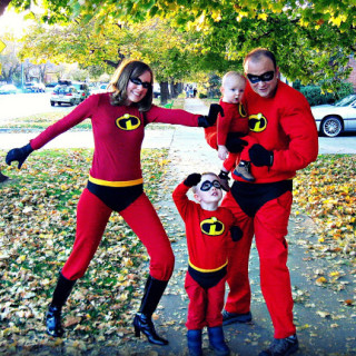 Handmade Costumes: DIY Incredibles Costume Tutorial for the whole family!