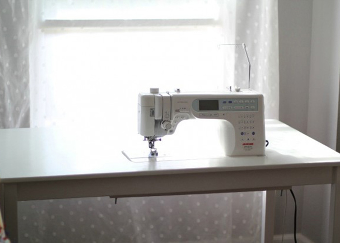 How to make a DIY sewing table