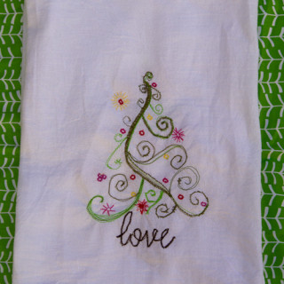 12 DAYS OF CHRISTMAS SEWING: FREE MOTION CHRISTMAS TEA TOWEL
