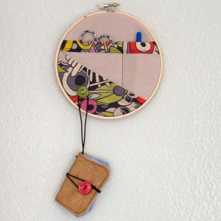 Embroidery hoop sewing kit
