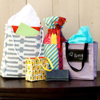 Go Green for the holidays! Fabric Gift Bag pattern & tutorial
