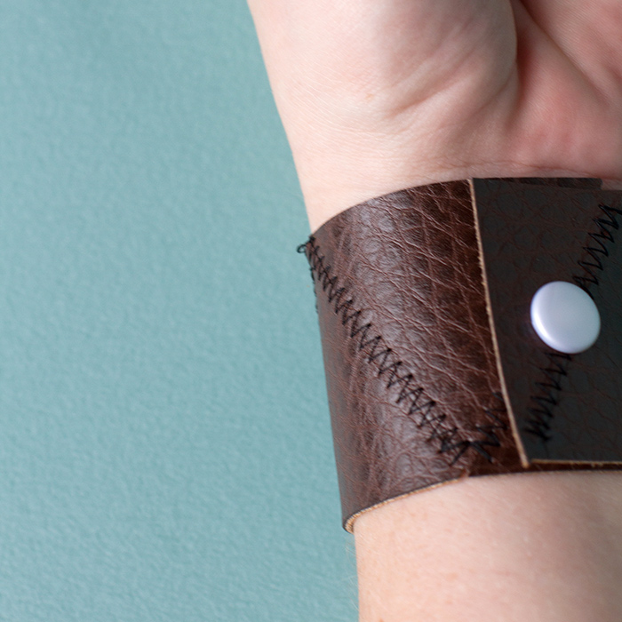 leather-bracelet-square