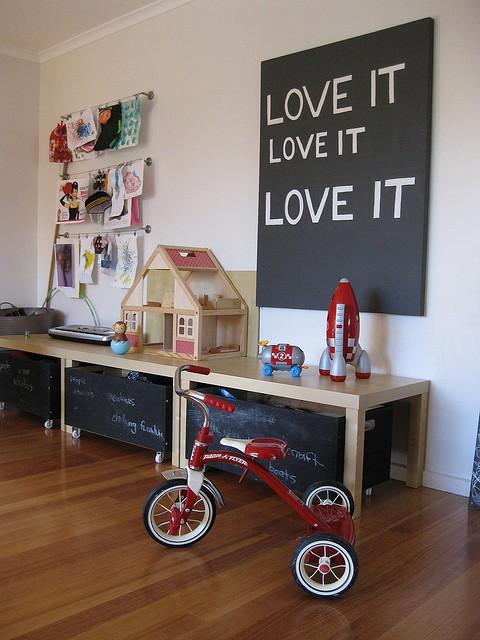 Dozens of great toy storage ideas!
