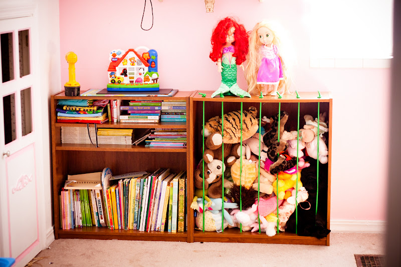 Make a DIY animal zoo on the cheap! Plus tons of other great toy storage ideas!