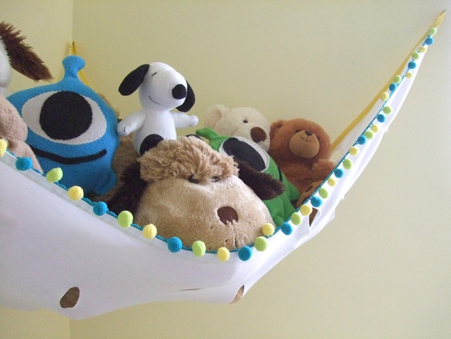 Stuffed animal net tutorial and TONS of other great toy storage solutions