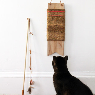 DIY hanging cat scratch post & wand