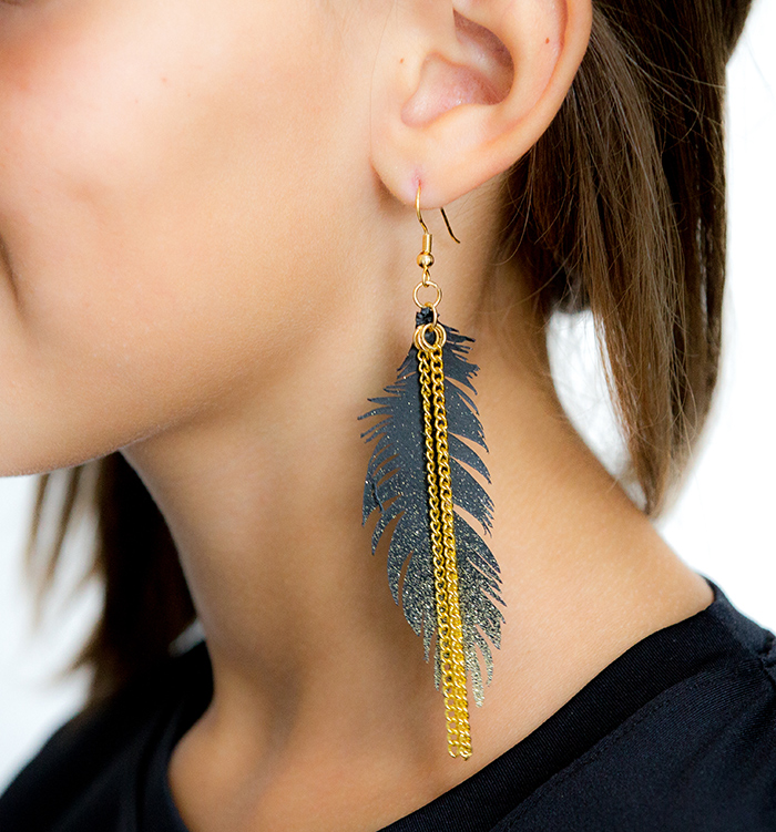Gold glitter feather earrings tutorial
