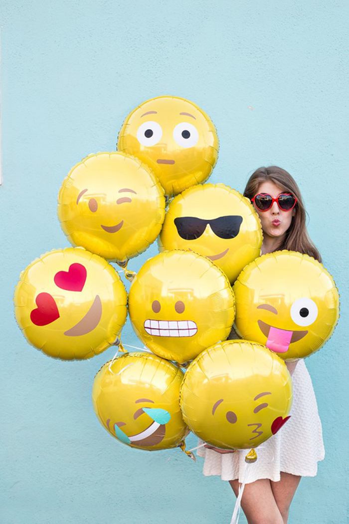 Emoji balloons! Get the DIY.