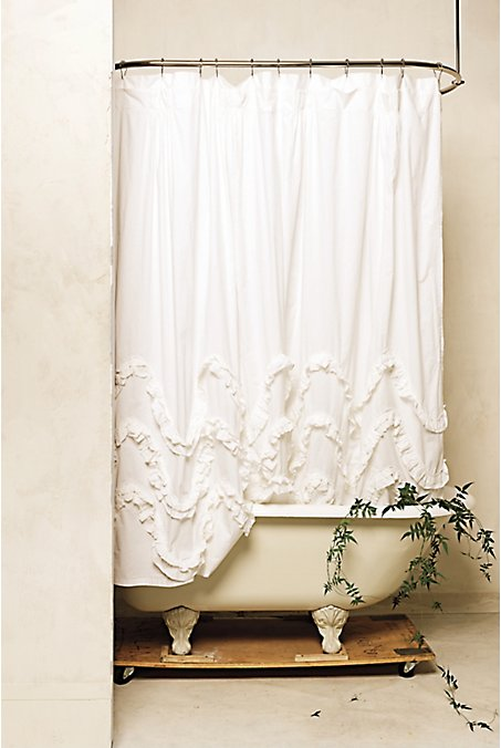Waves ruffles shower curtain tutorial.