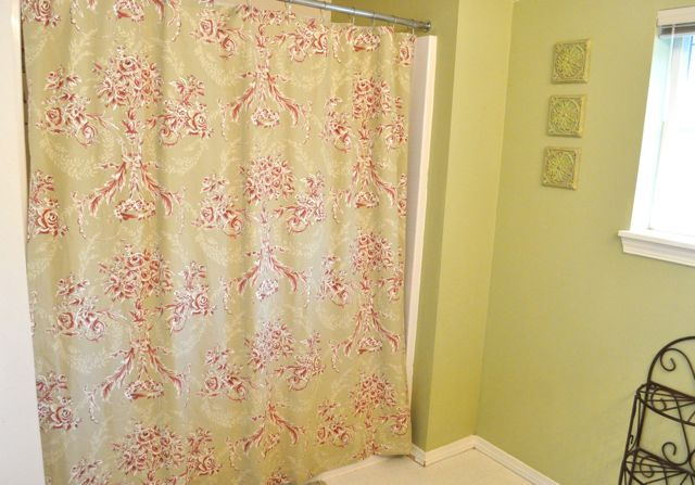 Bed sheet to shower curtain tutorial.