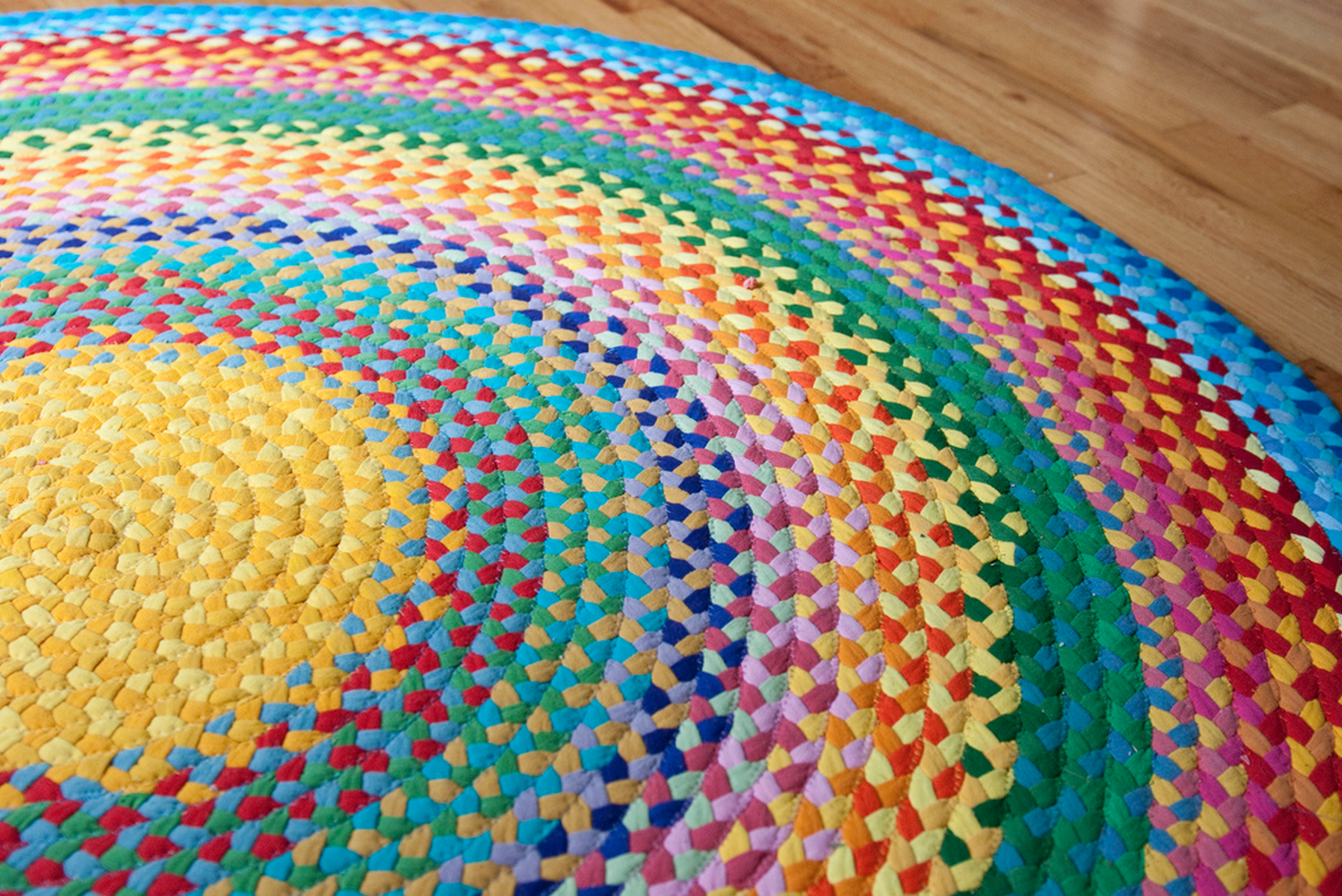 DIY braided rug from t-shirts