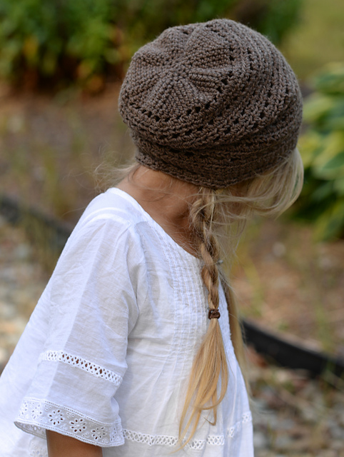 Lots of adorable crocheted hat patterns for girls