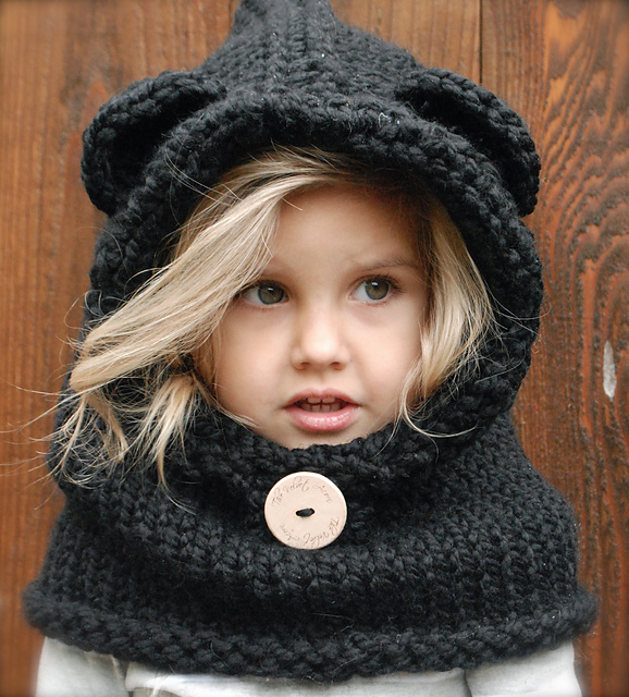 Adorable knit cowl pattern!