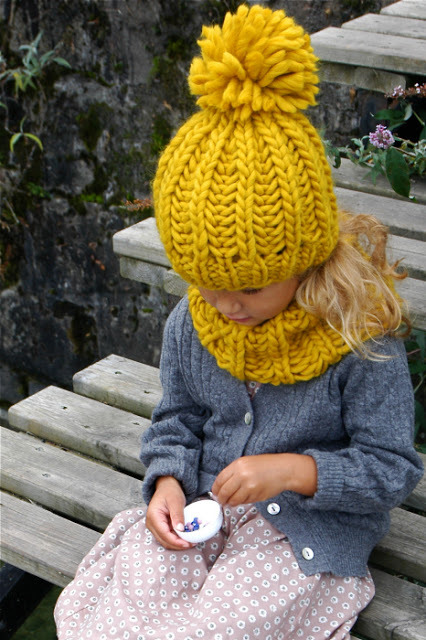 knit hat patterns for girls!