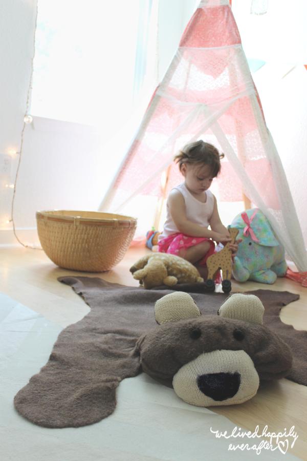 Faux bear rug! This is SO cute!!!