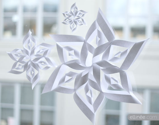 make 3d paper snowflakes Step by step instructions and photos for making a fabulous 3d paper snowflake.