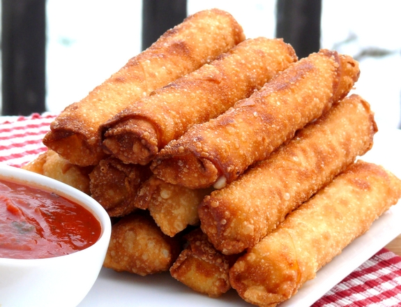 Fried mozzarella and pepperoni sticks