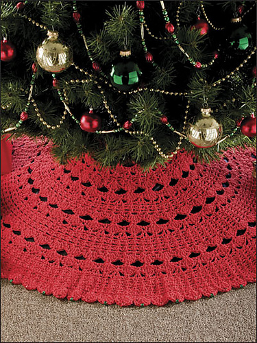 Crocheted tree skirt pattern. Gorgeous!