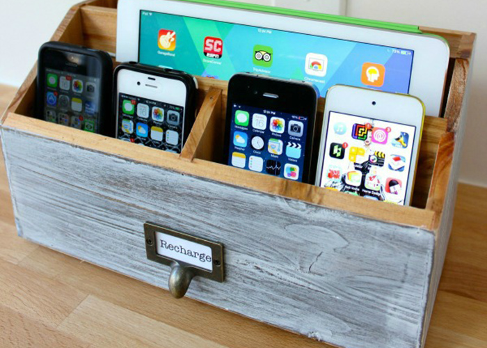 Make your own diy charging station Diy cell phone charging station