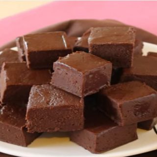 How to Make Microwave Fudge