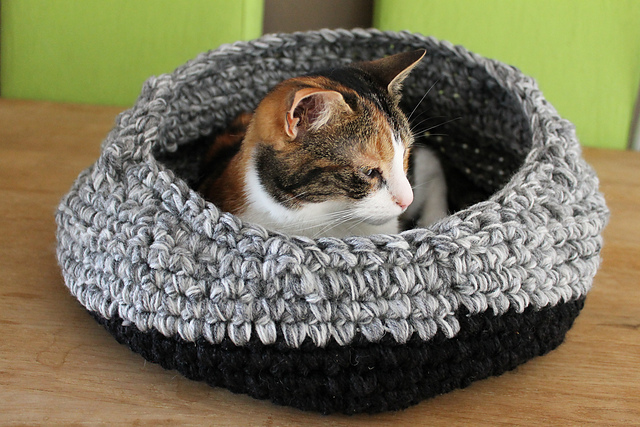 Free Cat Igloo Sewing Pattern
