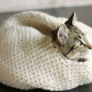 DIY Crochet Cat Beds