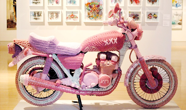 Knitted motorcycle - AMAZING