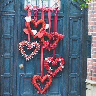 DIY Valentine Wreaths