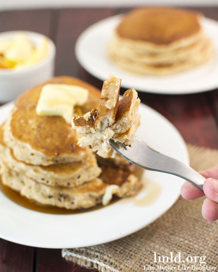 Healthy Applesauce Pancakes