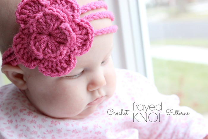 CUTE!! Three strand flower headband crochet tutorial