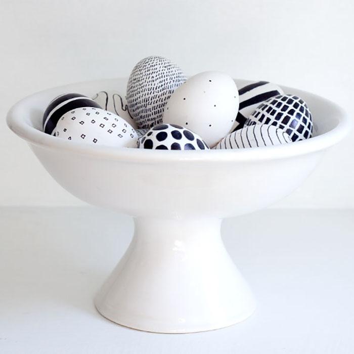 DIY black and white eggs