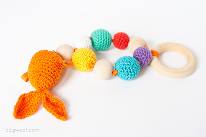 Beautiful crochet pattern for a baby teether