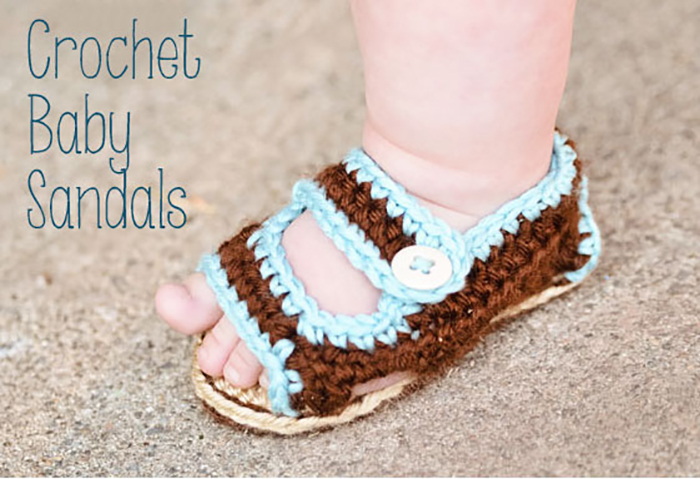 Cute crochet sandals - FREE pattern - great for boys or girls