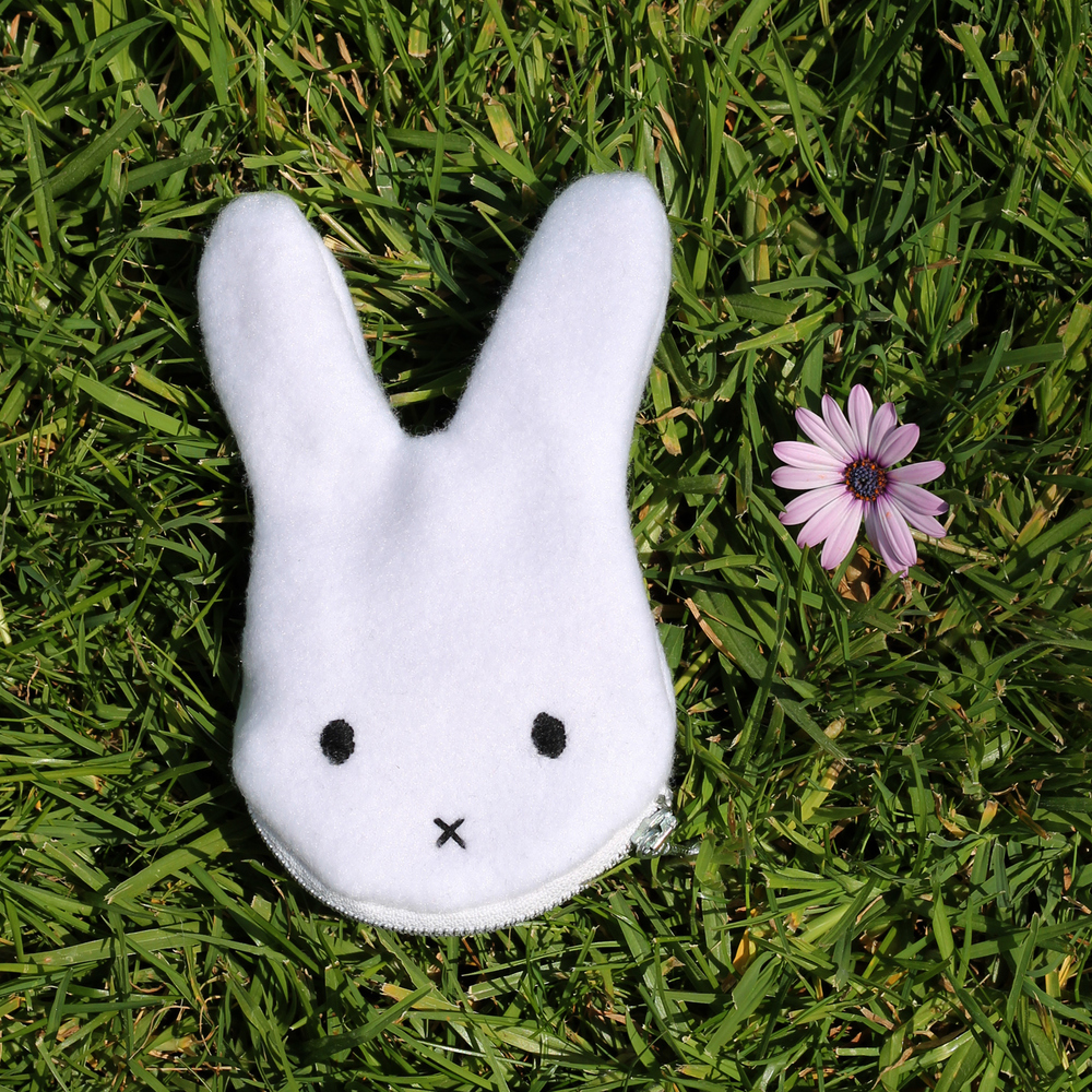 Small bunny coin/candy purse with a zippered mouth