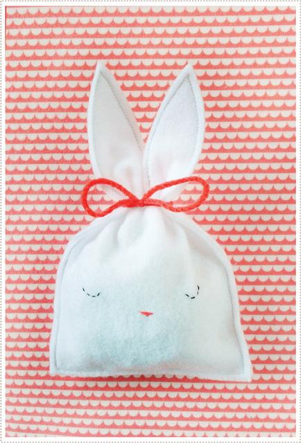 Felt bunny treat pouch with sweet face