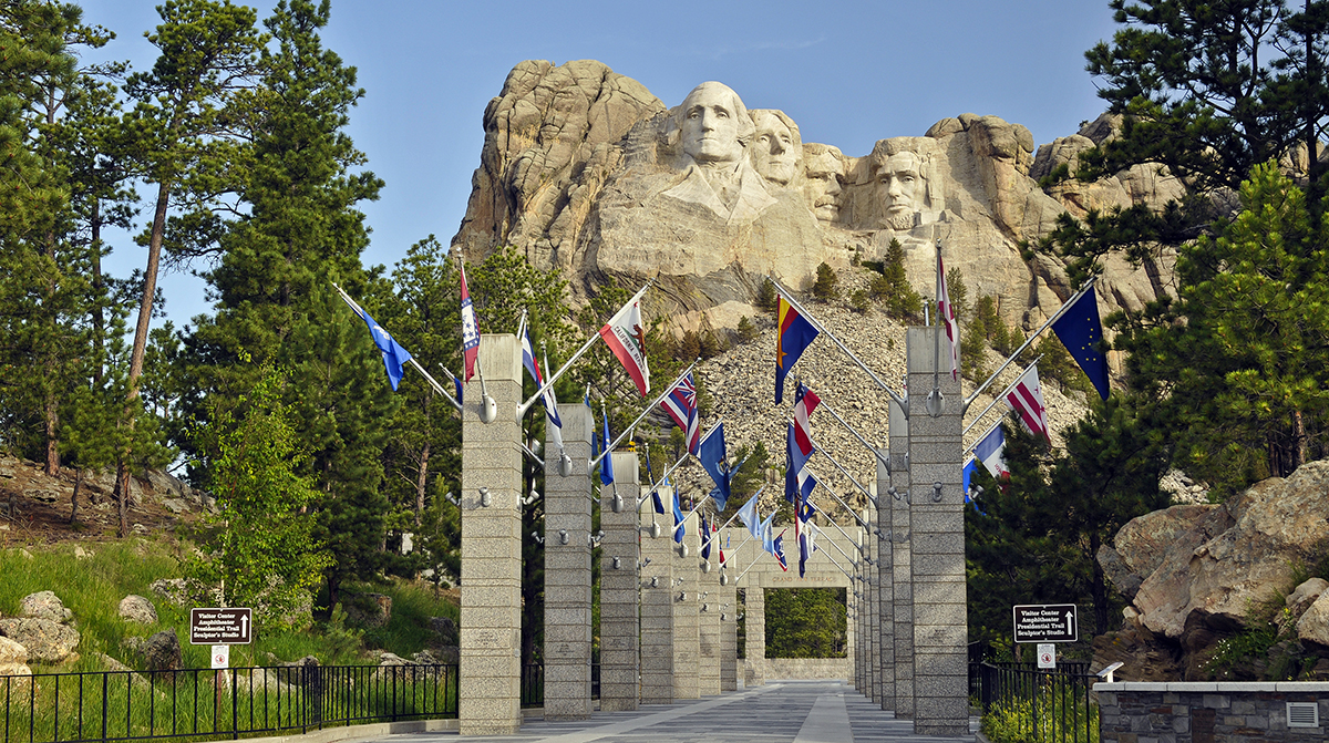 25 Family Vacations for Active Kids (Mt. Rushmore)