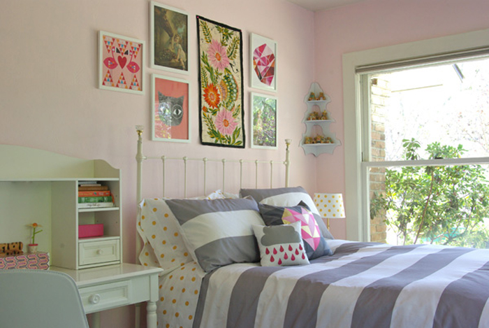 a tween bedroom in soft pink