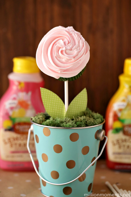 DIY Cupcake Bouquet Recipe and Tutorial