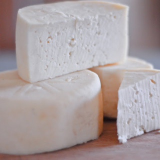 Make Your Own Farmhouse Cheese