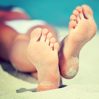 How to Cure Cracked Feet