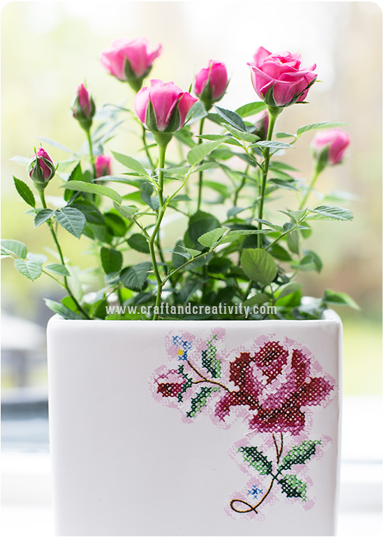 How to decoupage this beautiful vase!