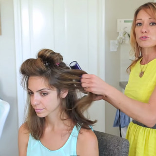 How To Do a 5 Minute Blowout Hairstyle