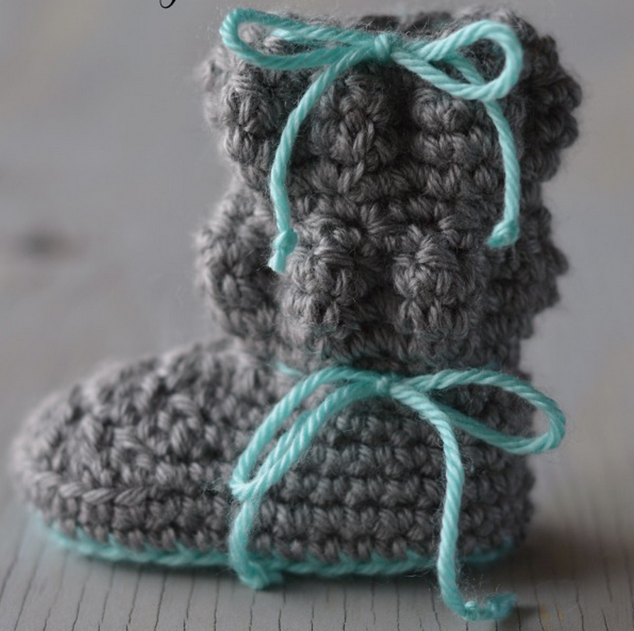 Crochet Baby Boots - Free pattern by Whistle & Ivy